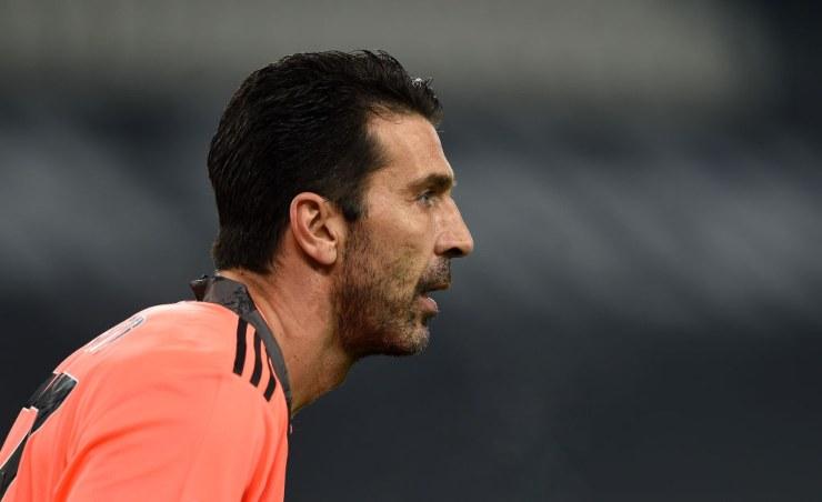 Gianluigi Buffon concentrato