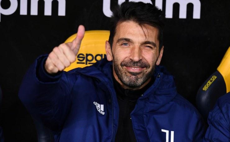 Gianluigi Buffon in posa