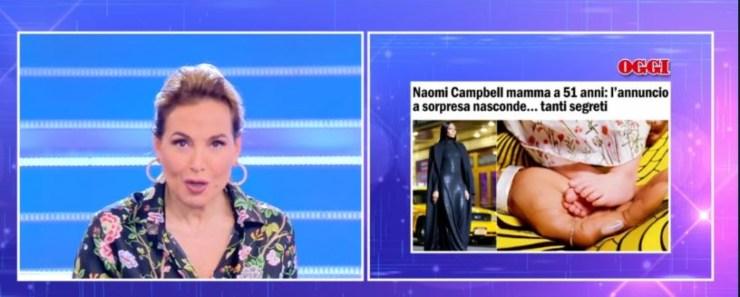 In studio si parla di Naomi Campbell