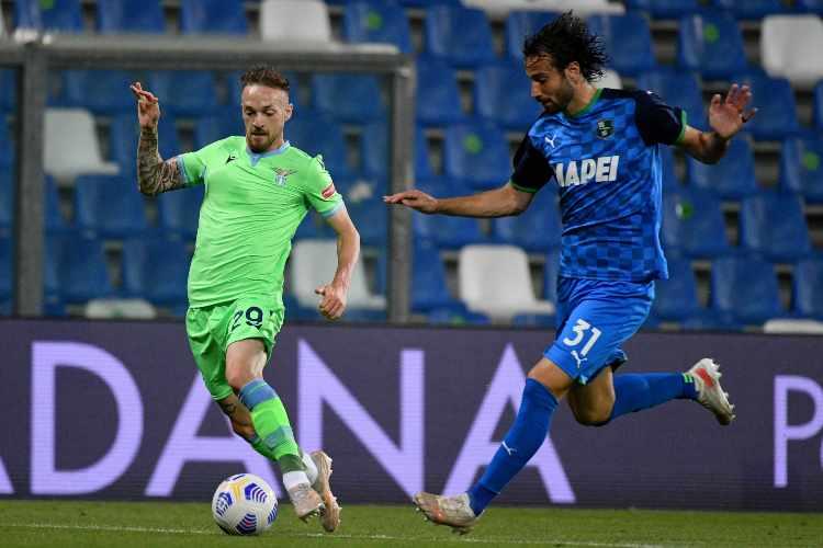 Lazzari in azione con la Lazio