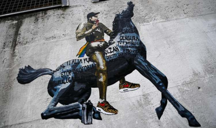 Murales di Fedez a Roma