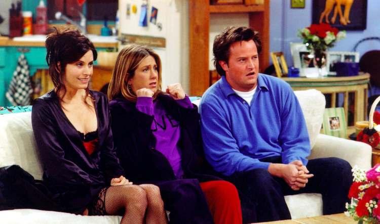Protagonisti di Friends durante una scena