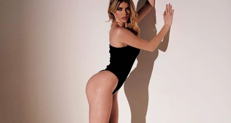 Sara Croce body