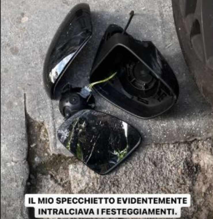 Specchietto macchina De Martino