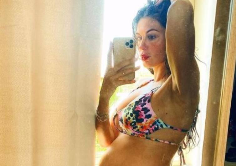 Jolanda De Rienzo bikini