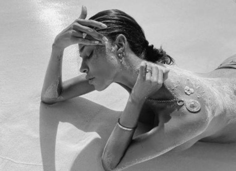 Belen Rodriguez Foto Alto Bianco Nero