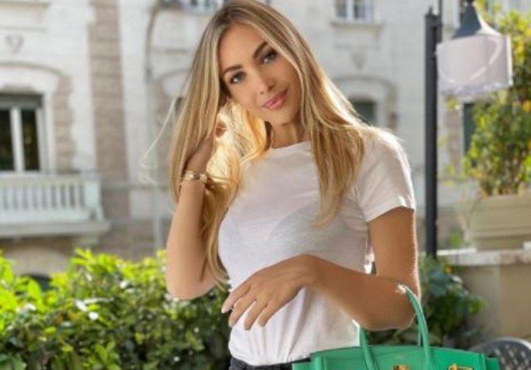 Laura Cremaschi in maglia bianca