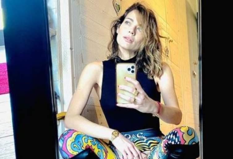 Laura Chiatti selfie