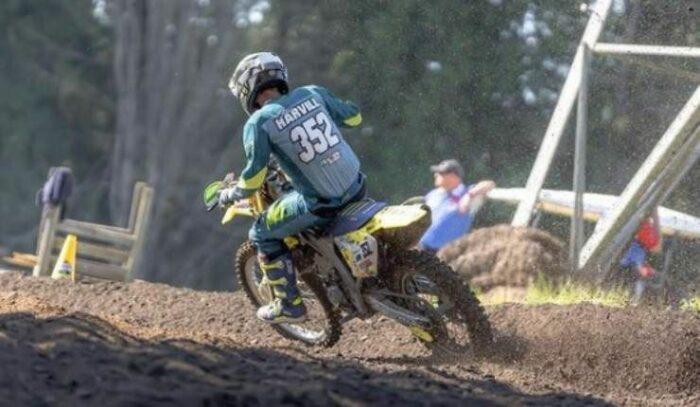 Alex Harvill in moto