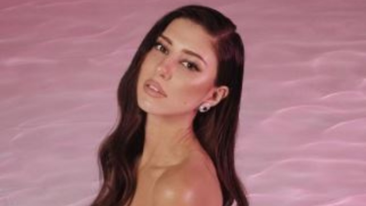 Angela Nasti Bikini Esplosiva