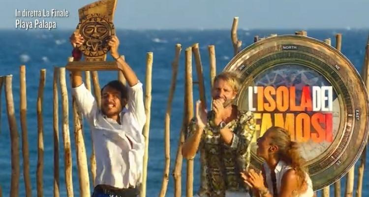 Awed vincitore Isola dei famosi