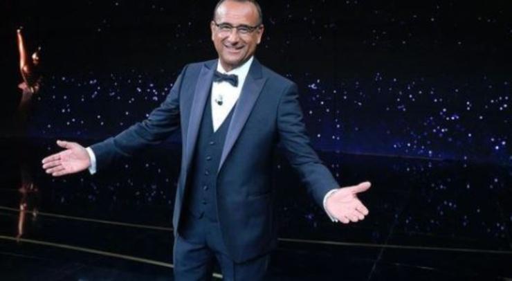Carlo Conti, alla guida del programma di Rai Uno