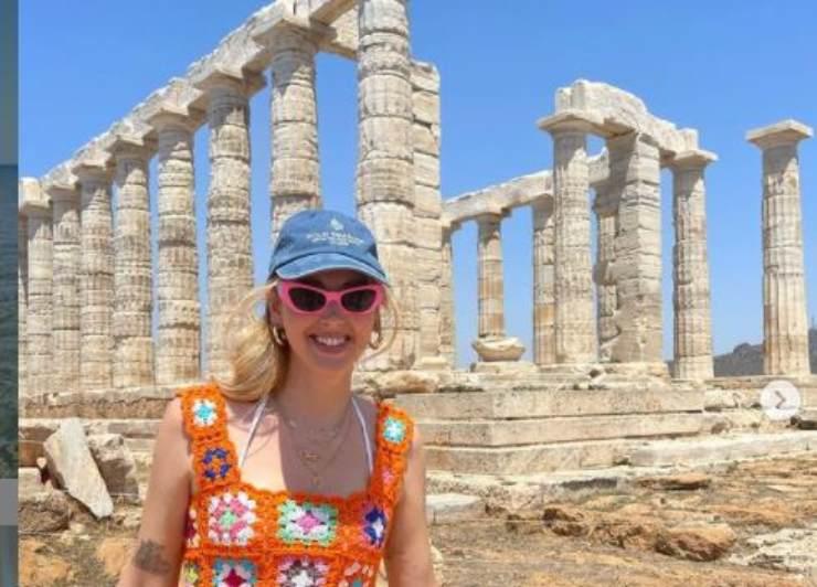 Chiara nel tempio greco