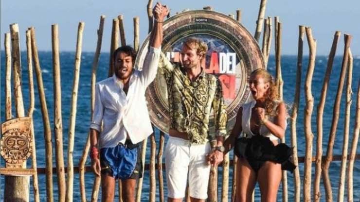 Isola, Awed vincitore dell'edizione
