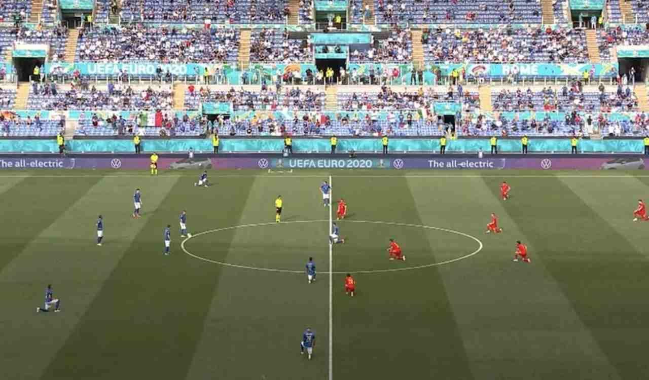 Italia Galles giocatori in campo