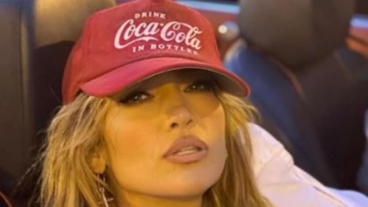 Jennifer Lopez Camicia Aperta