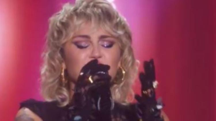 Miley Cyrus Concerto Pride Drag Queen