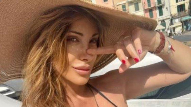Sabrina Salerno Baciata Dal Sole Curve