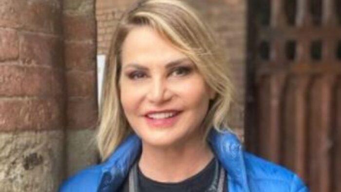 Simona Ventura Senza Trucco Insulti