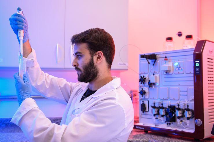 Test di laboratorio sul vaccino Anti Covid
