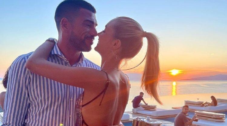 Viky Varga e Pellè romantici