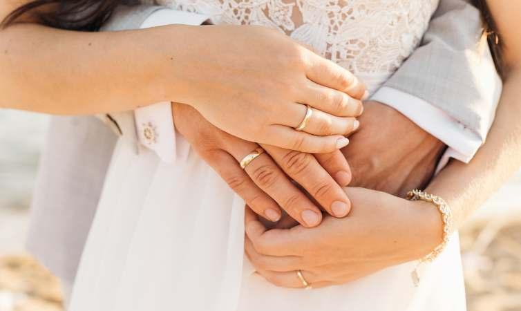 Proposta di matrimonio nell'hub vaccinale