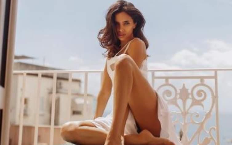 Sara Arfaoui fisico