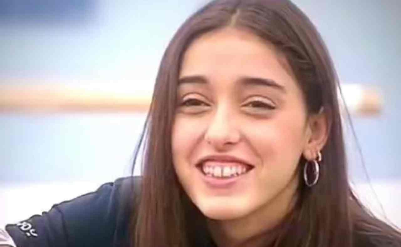 Giulia Stabile sorriso