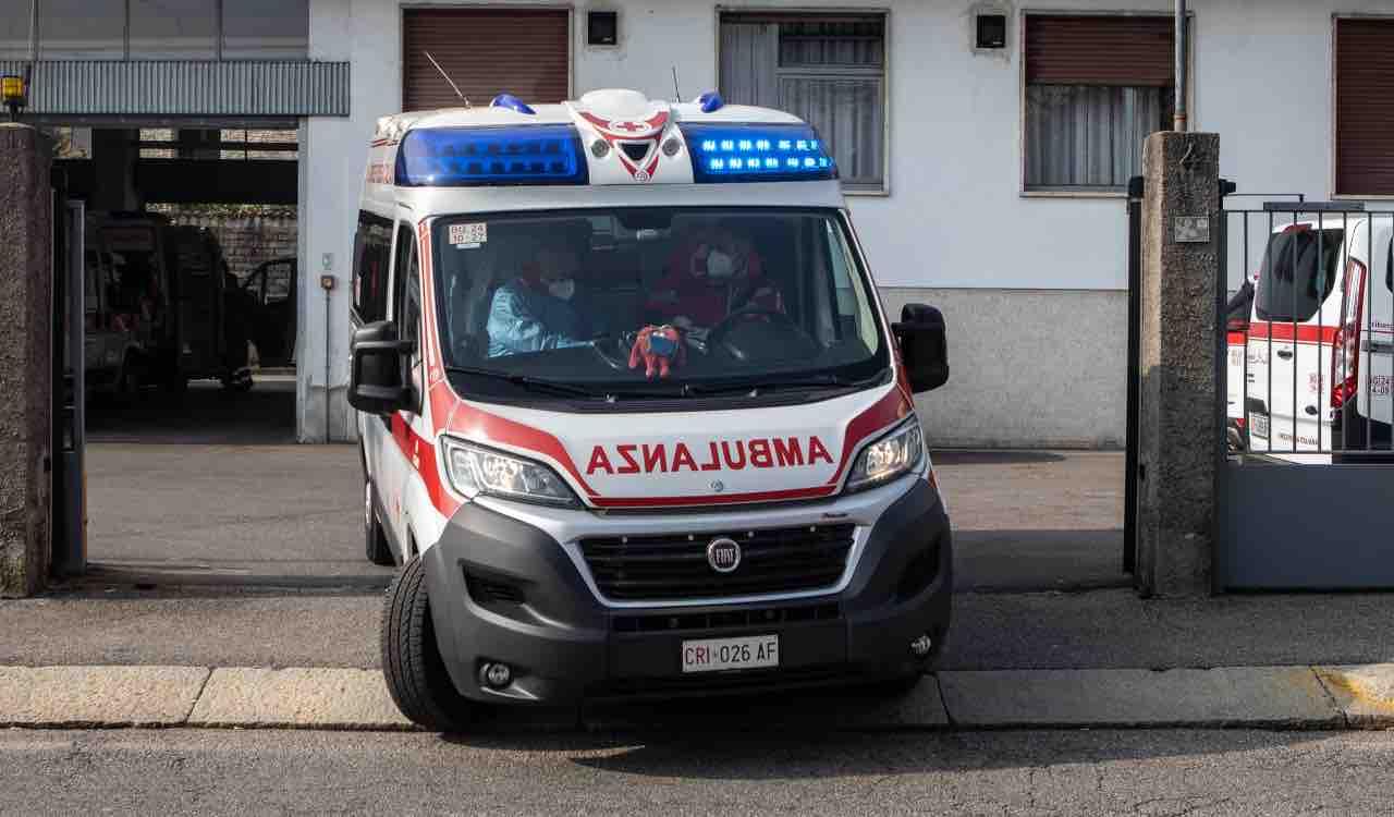Ambulanza, bambina ingoia Hashish