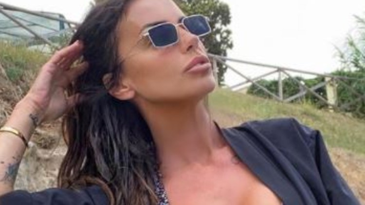 Antonella Mosetti Giacchetta Esplosiva
