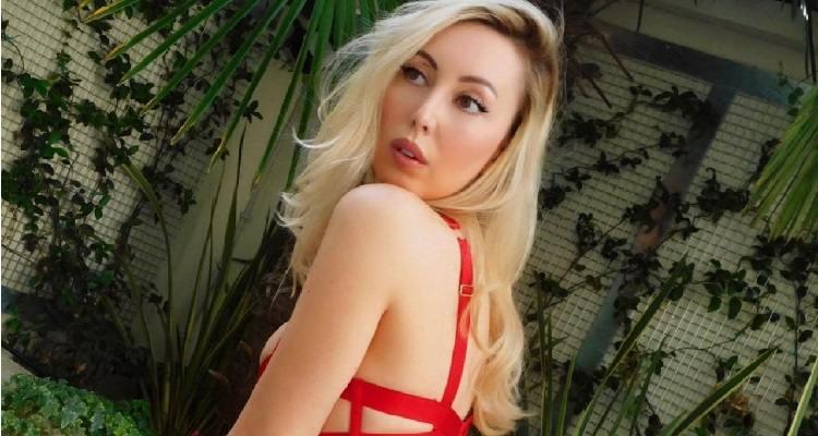 Carolina Casiraghi posa sensuale