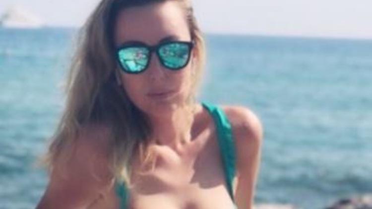 Carolina Casiraghi Scoglio Bianco Nero