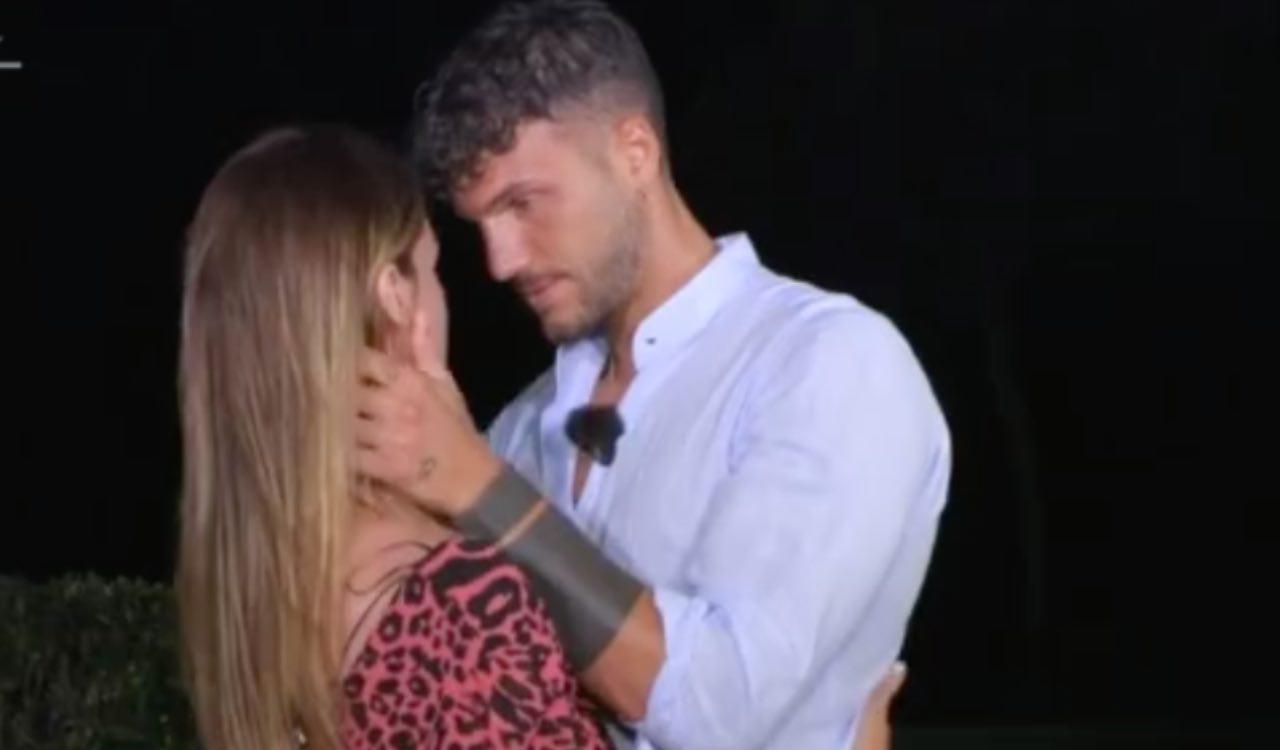 Davide Basolo e Jessica a Temptation Island