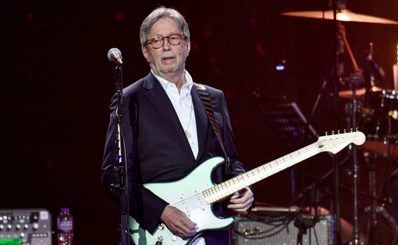 Eric Clapton critiche green pass