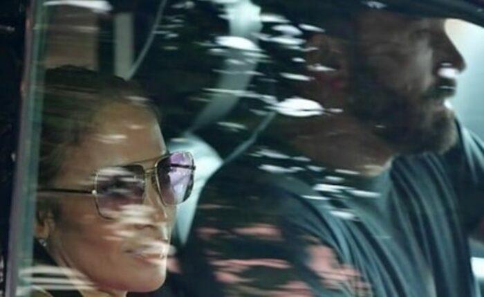 Jennifer Lopez e Ben Affleck in auto