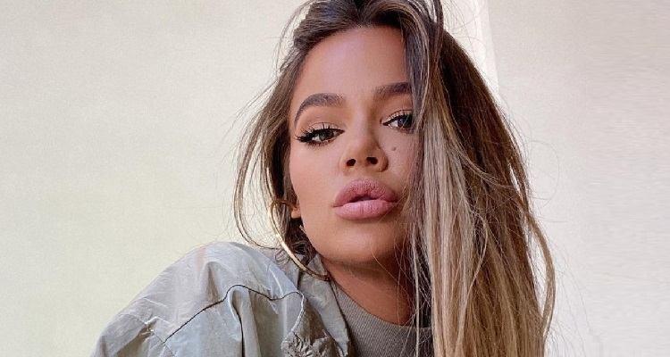 Khloe Kardashian posa sensuale
