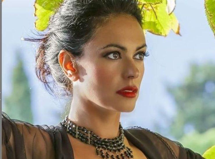 La Cucinotta, attrice e modella bellissima