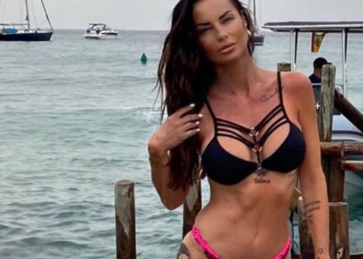 La Mosetti in bikini