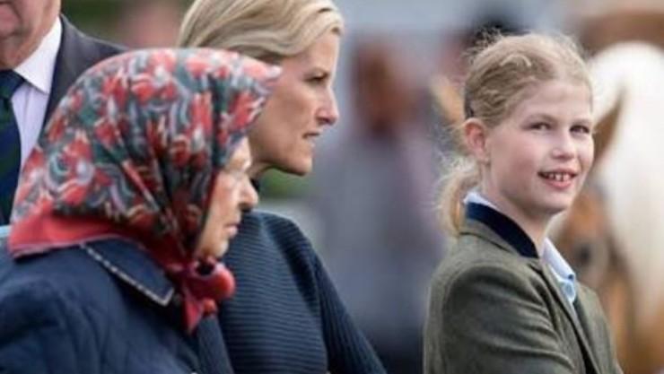 La Regina insieme a sua nipote