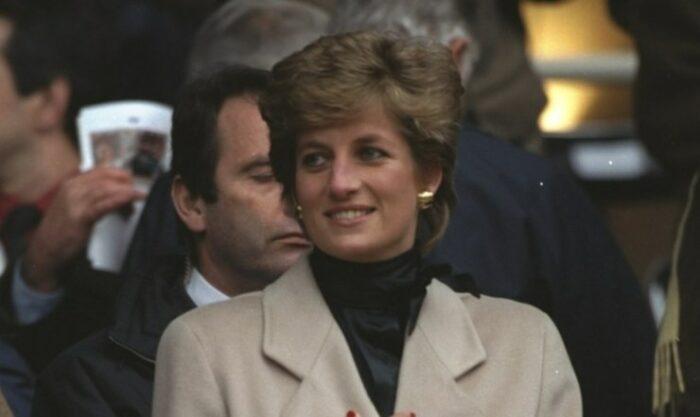Lady Diana sorride