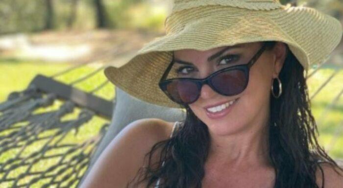 Laura Torrisi sorride