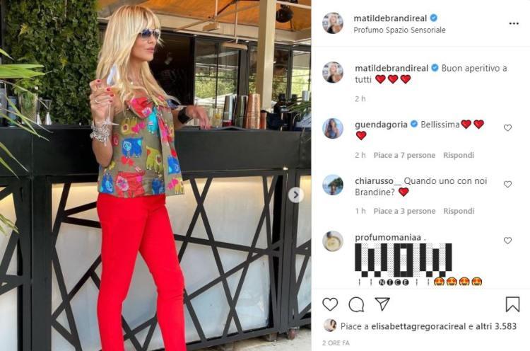 Matilde Brandi Aperitivo Pantalone Rosso