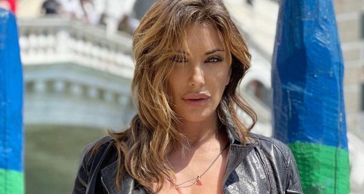 Sabrina Salerno sguardo ammaliante
