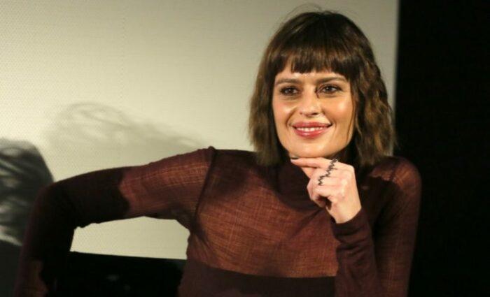 Claudia Pandolfi sorride
