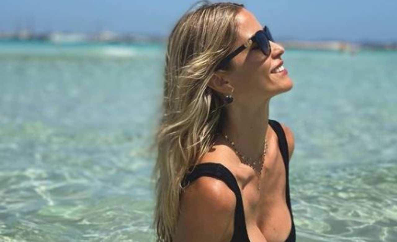 Elena Santarelli bikini