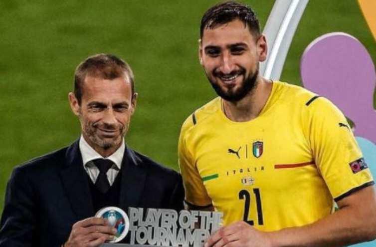 Donnarumma premiato miglior giocatore Euro2020