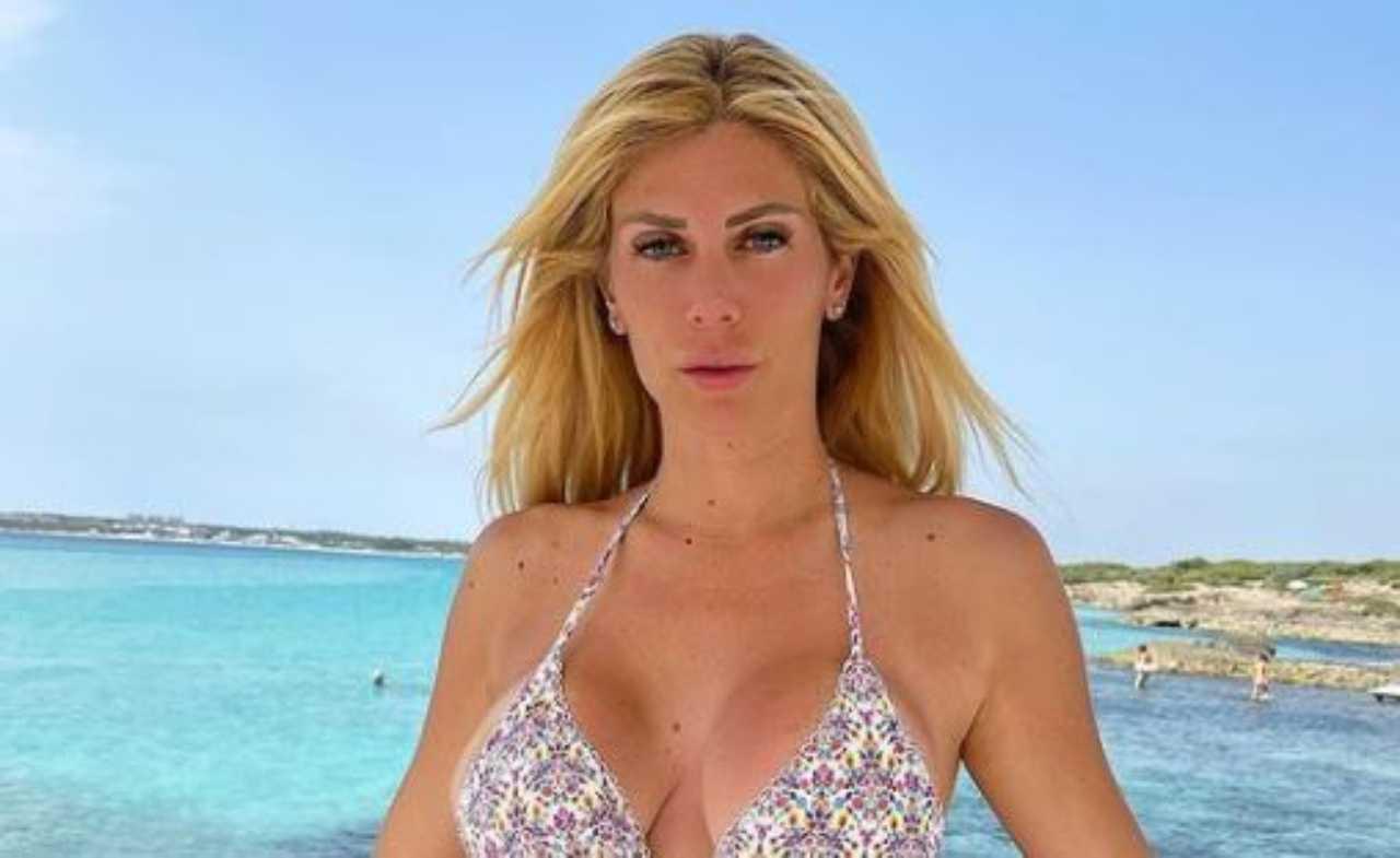 Paola Caruso bikini