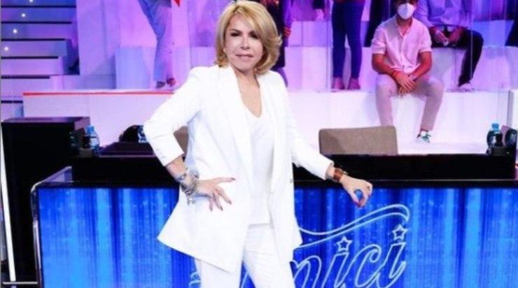 La Pettinelli, speaker radiofonica e coach del talent