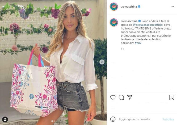Laura Cremaschi Spesa Camicia Aperta