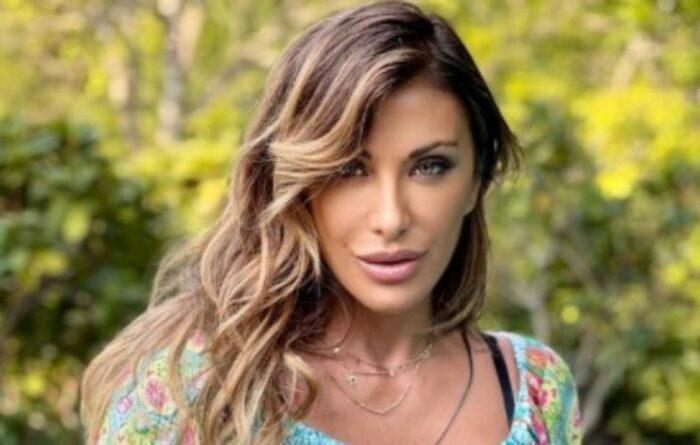Sabrina Salerno provocante